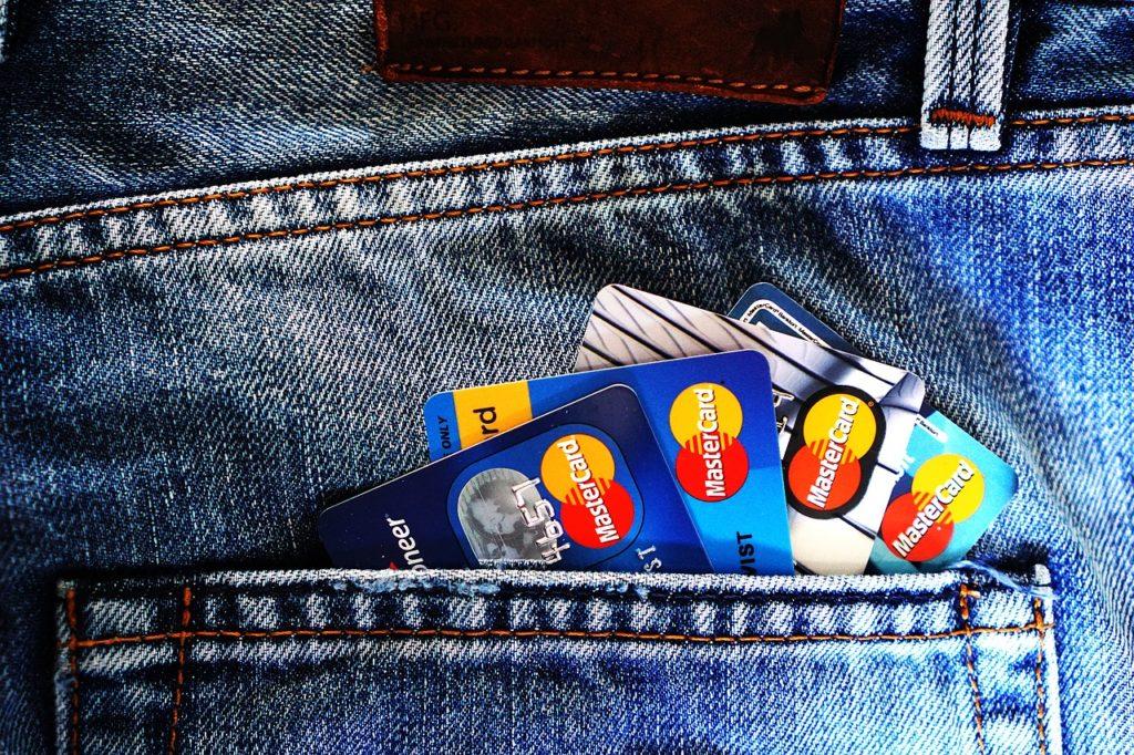 クレジットカード 初めて VISA JCB