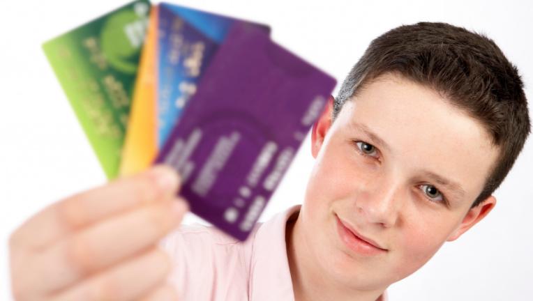 クレジットカードの審査が通りやすい会社