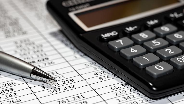 クレジットカードの退会は、定期的な支払いや未払金の確認をしてから