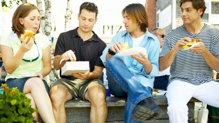 「ダイエット中でもお昼ご飯はしっかり食べましょう」本当は?